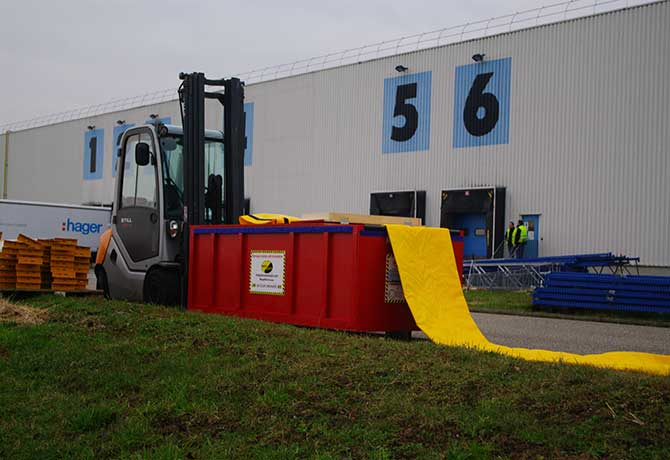 Protecting a loading dock. Hager Electro Bischwiller | France – 2011