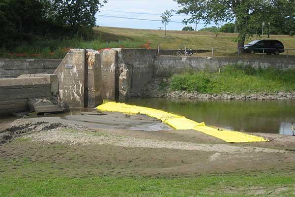 cofferdam for riverbank maintenance