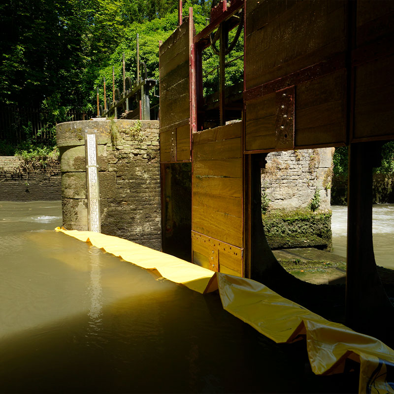 Restoration of the winnowing of the Moulin de Pidou 15th century | Rivière Aa - Flexible cofferdam Water-Gate © WA-2850